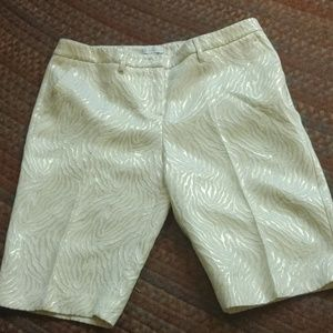 NY&CO dressy shorts w/shiny metallic design 👌